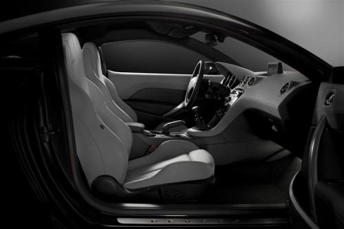 2010-Peugeot-RCZ-interior-Image-08-800.jpg