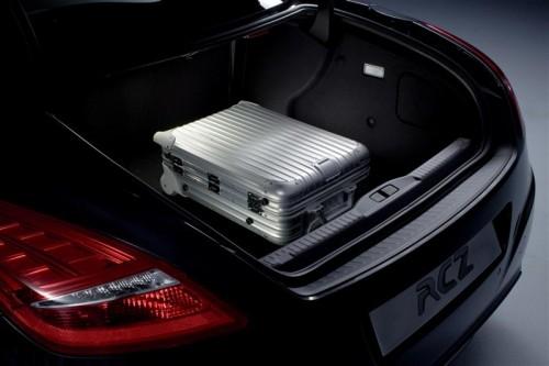 2010-Peugeot-RCZ-interior-Image-05-800.jpg