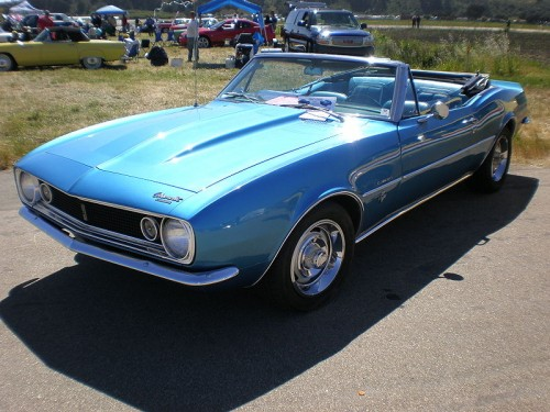 800px-1967_blue_Chevrolet_Camaro_convertible_side.jpg