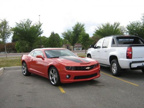 800px-ChevroletCamaroSSred.jpg