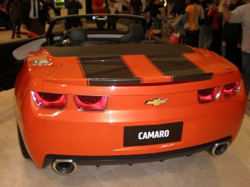 800px-2007_Chevrolet_Camaro_Convertible_Concept_rear.jpg