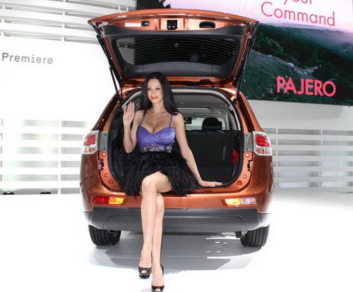 car,mitsubishi,outlander,mitsubishi outlander,mitsubishi outlander 2012,outlander 2012,crossover,suv,engine,performance,specifications,price,feature