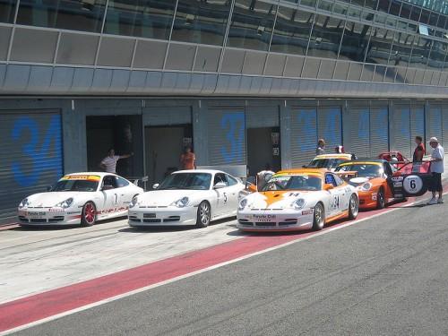 799px-Porsche-911.jpg