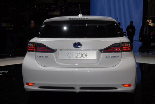 Lexus CT 200h 003.jpg