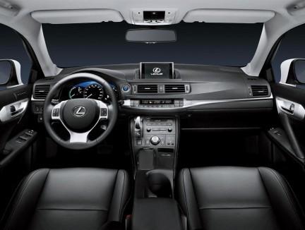 Lexus CT 200h 004.jpg
