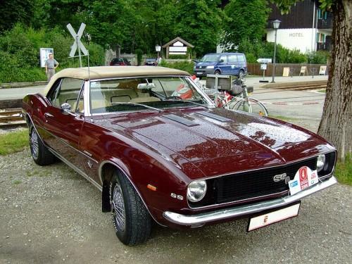 800px-Chevrolet_Camaro_SS_Cabrio_1.jpg