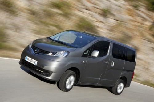 car,nissan,evalia,nissan evalia,family car, engine, performance, specifications, price, feature
