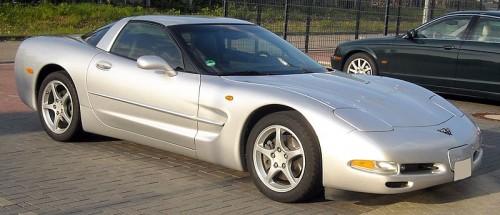 800px-Corvette_C5_front_20090504.jpg