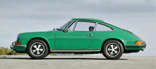 800px-Porsche_911_2_4_001.jpg