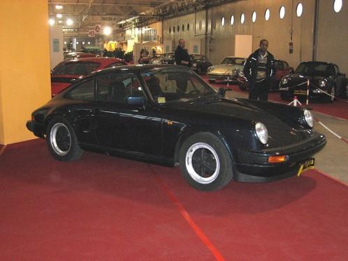 800px-Porsche_911-SC.jpg
