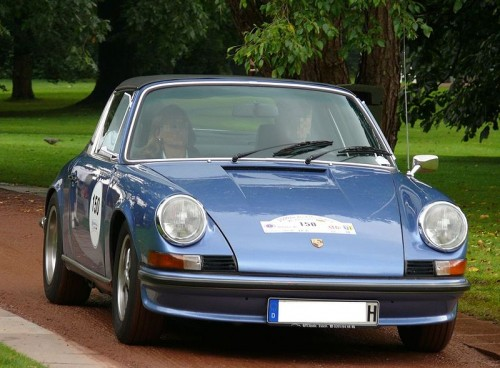 800px-Porsche_911_S_Targa_blue_vr2.jpg