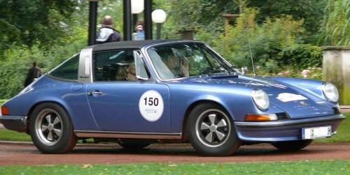 800px-Porsche_911_S_Targa_blue_vr.jpg