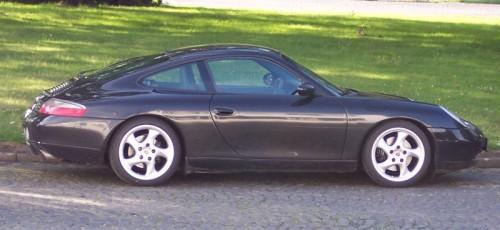 800px-Porsche_911_r.jpg