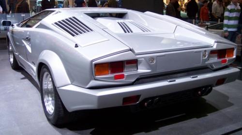 800px-Lamborghini_Countach_silver_25_Years_Edition_hl_TCE.jpg